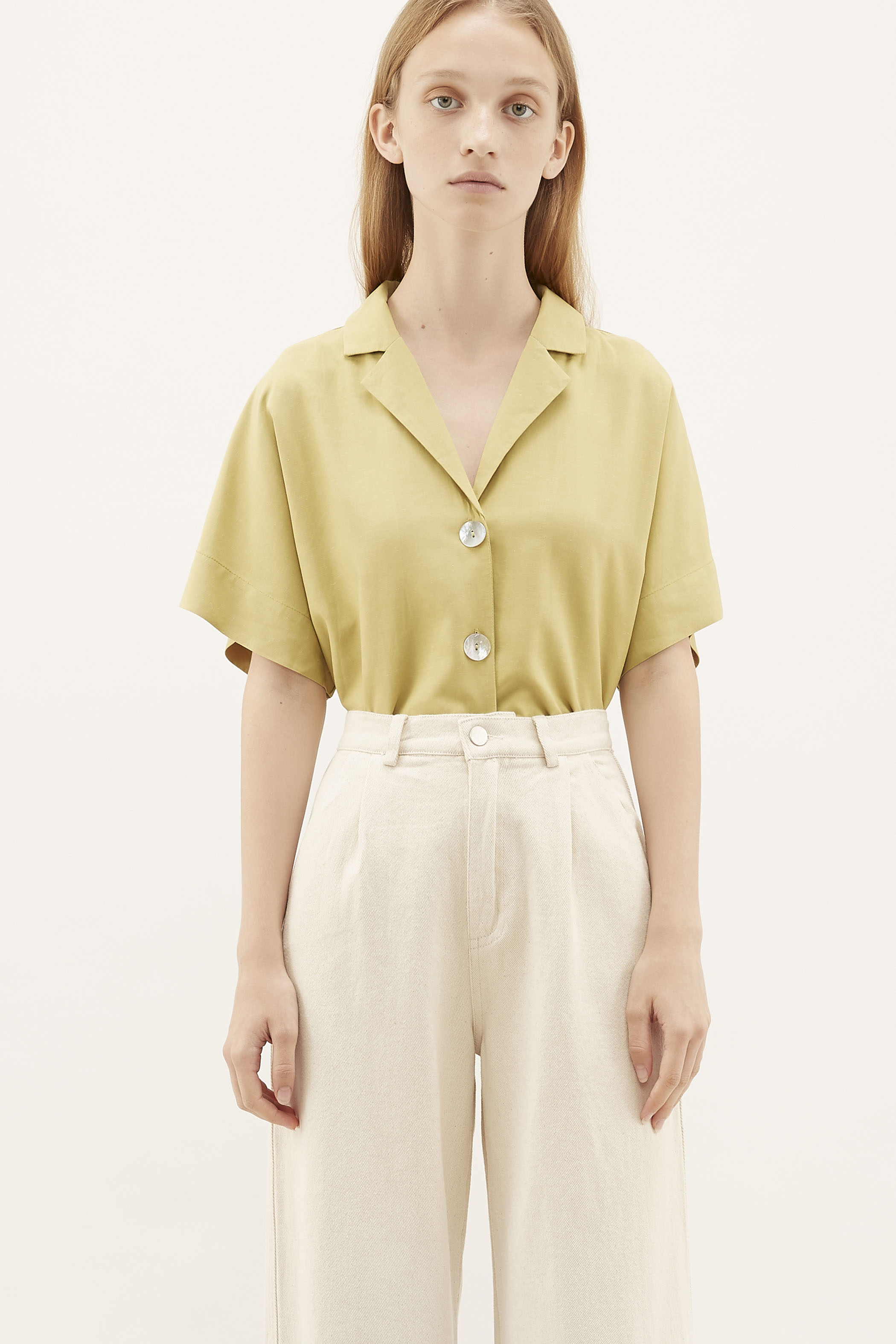 Mevis Shell-button Blouse
