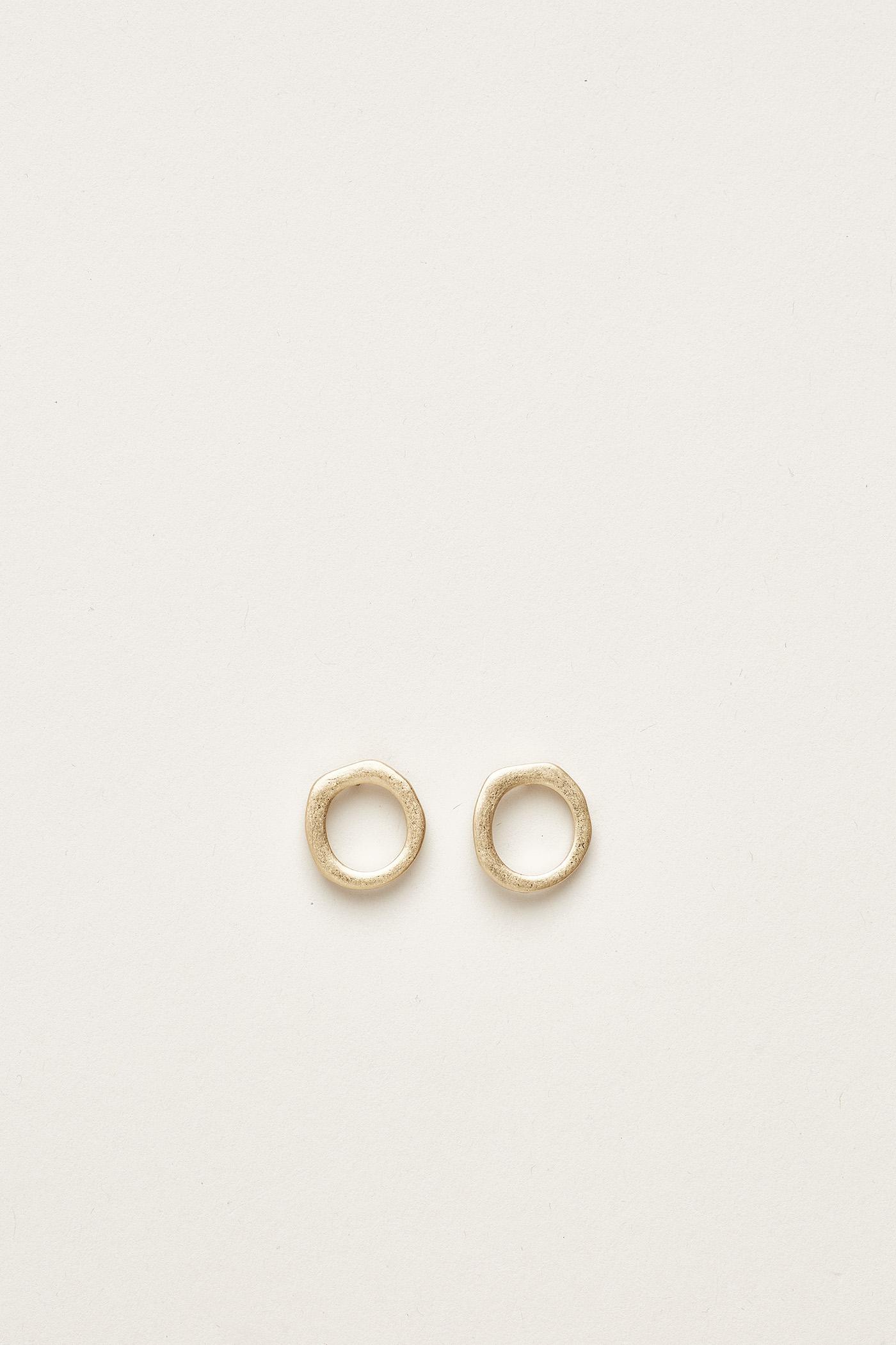 Adonis Irregular Circle Ear Studs