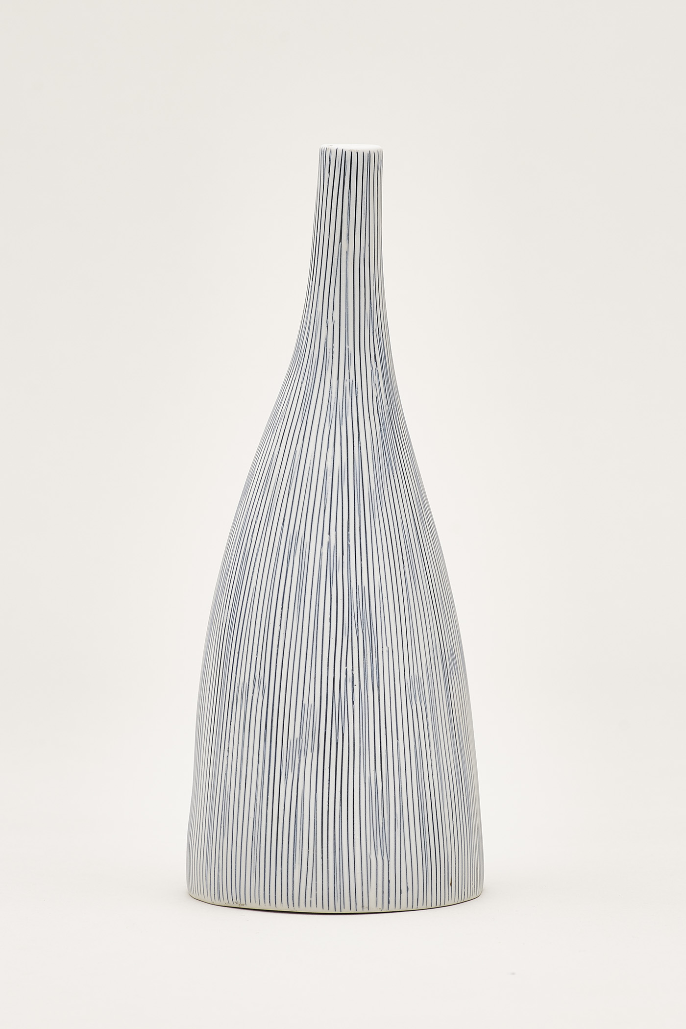 Hiro Lined Drop Vase