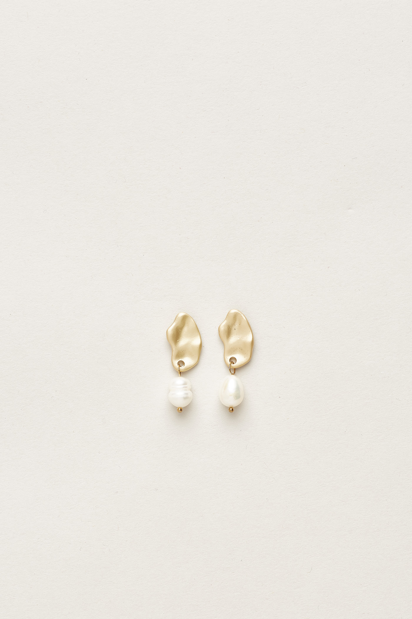 Koen Pearl Earrings