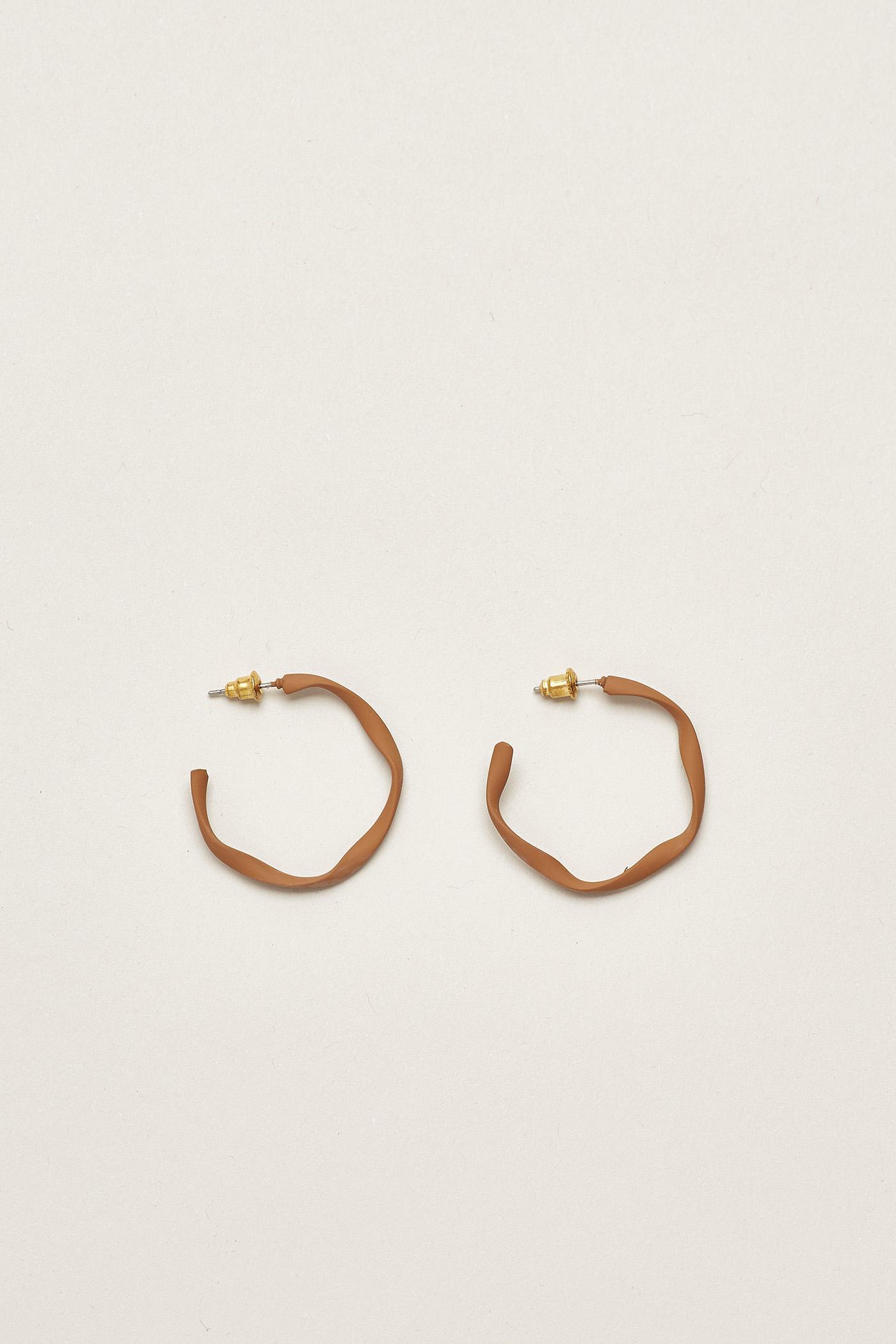 Petya Thin Hoop Earrings