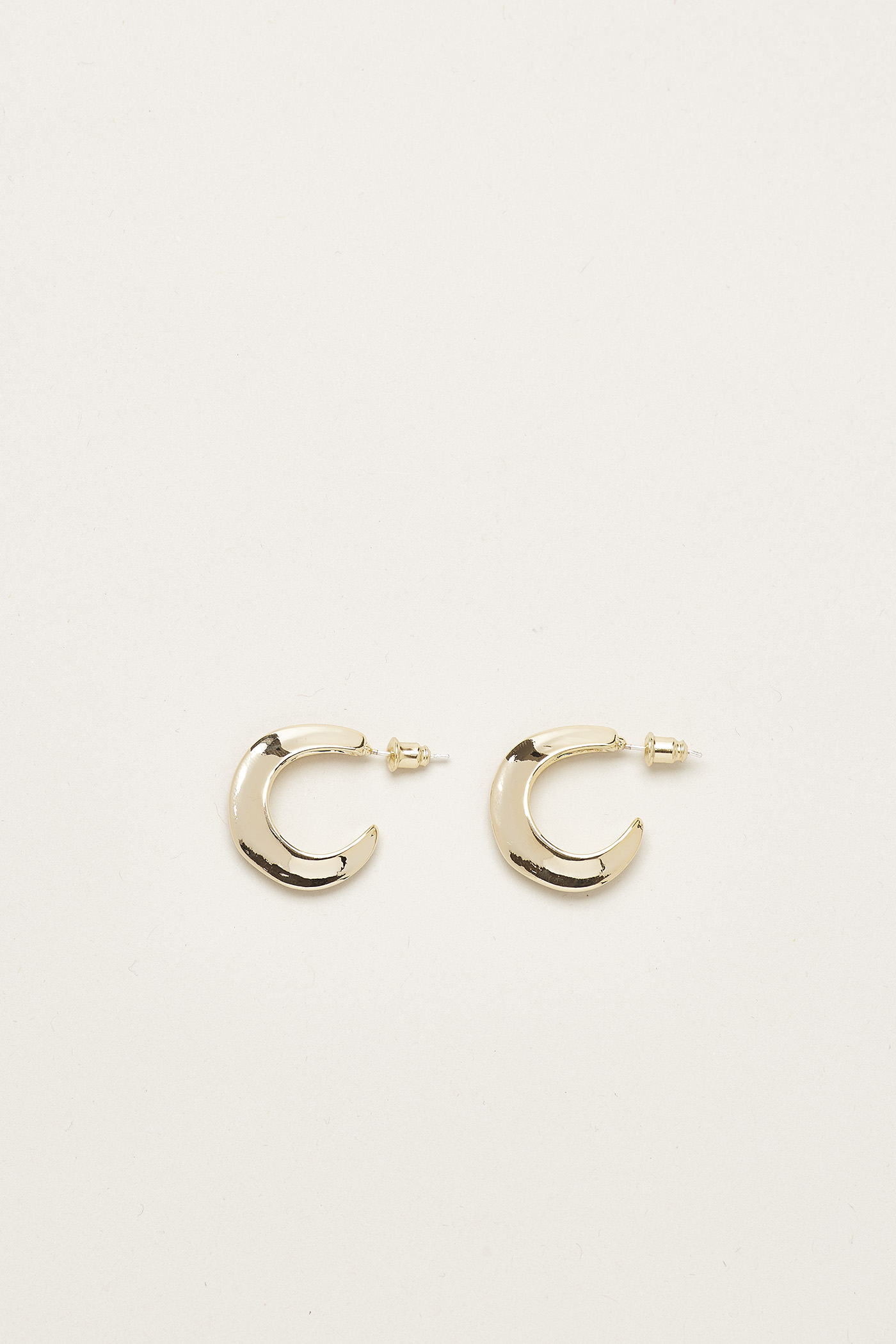 Brinley Sculptural Hoop Earrings