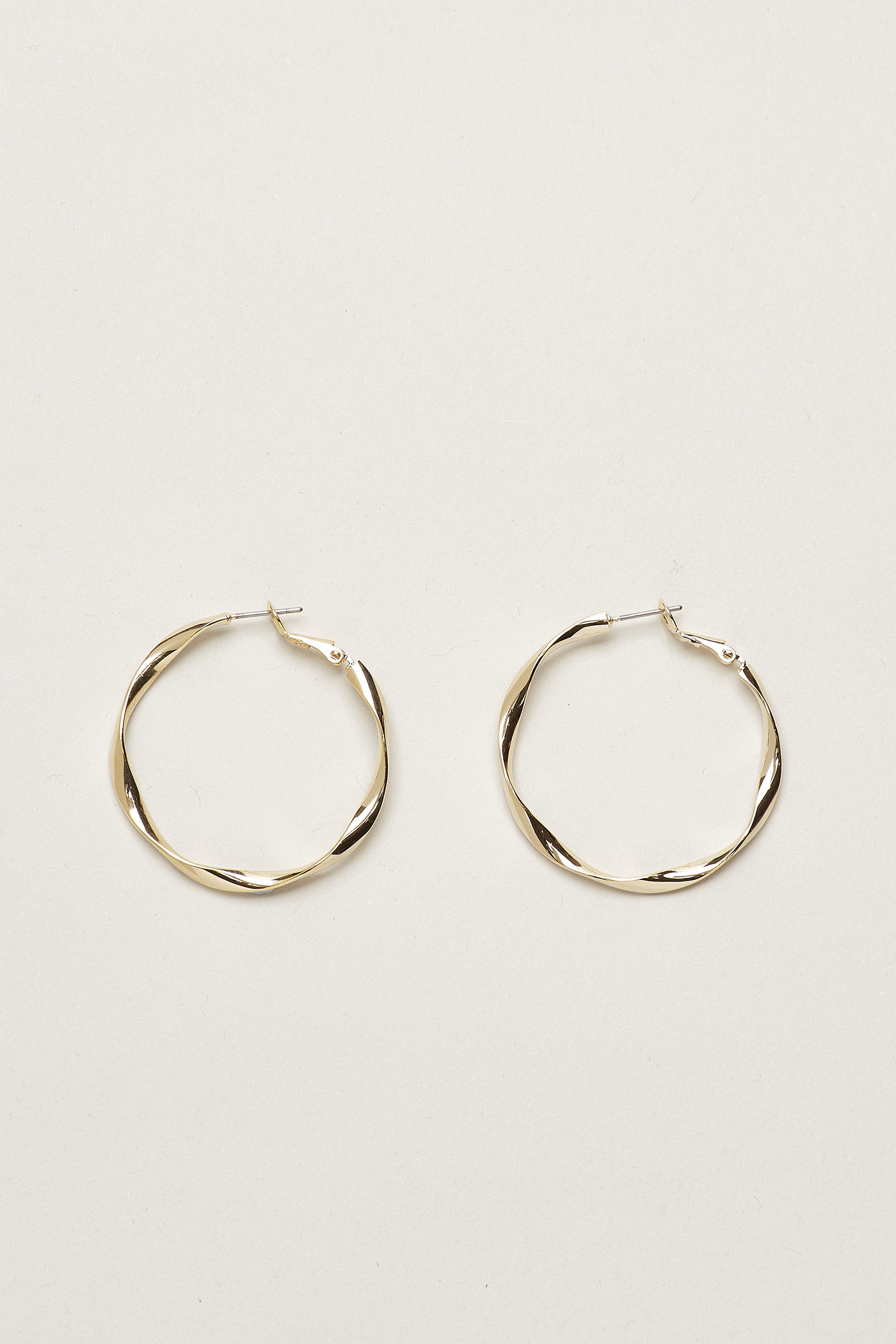 Dewey Wave Hoop Earrings