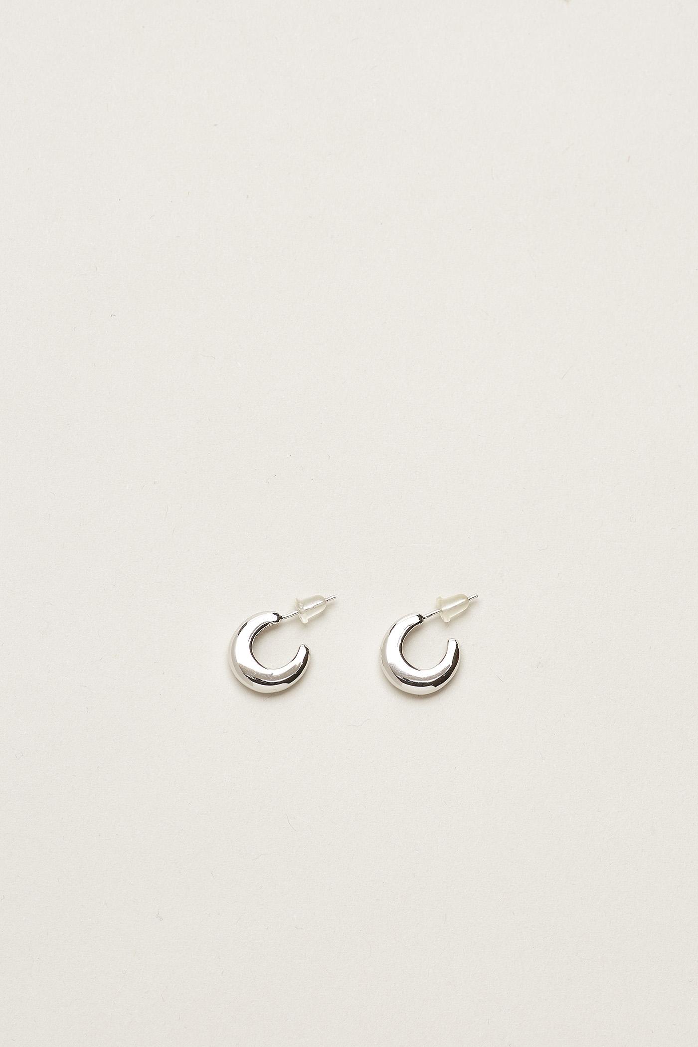 Arenah Chunky Mini Hoop Earrings