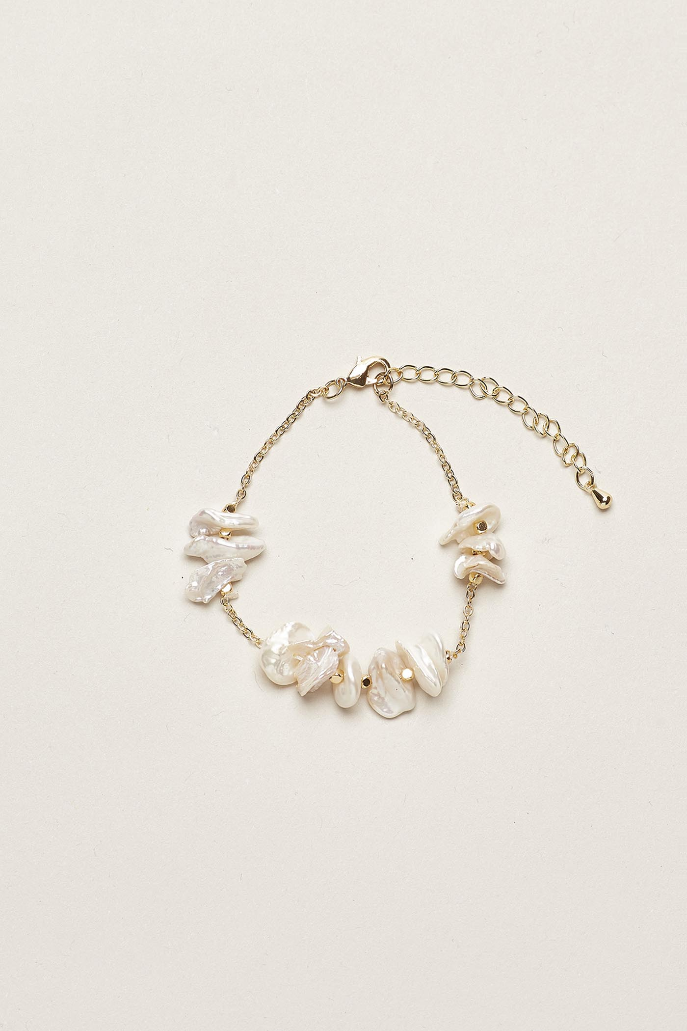 Caren Pearl Bracelet