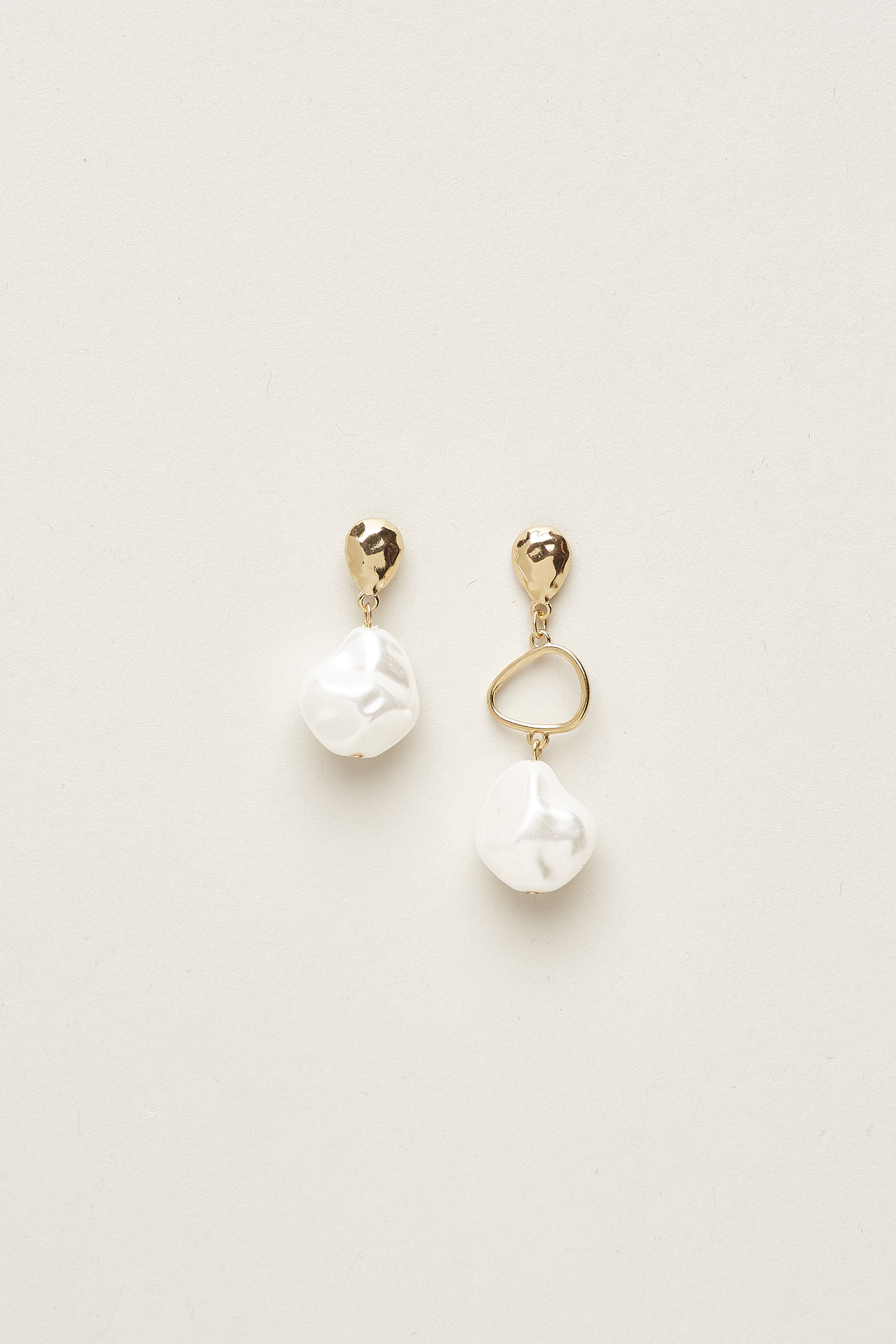 Tyrelle Drop Pearl Earrings