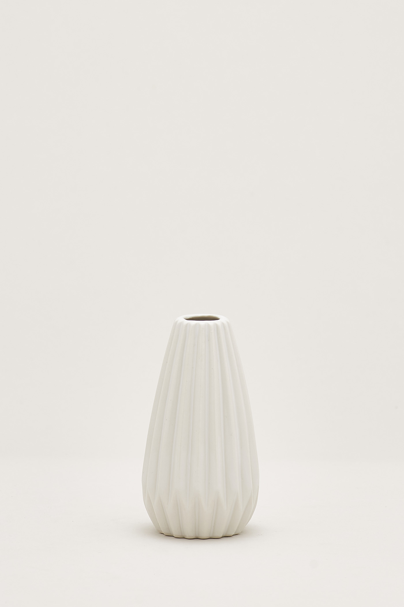 Halden Small Slim Vase