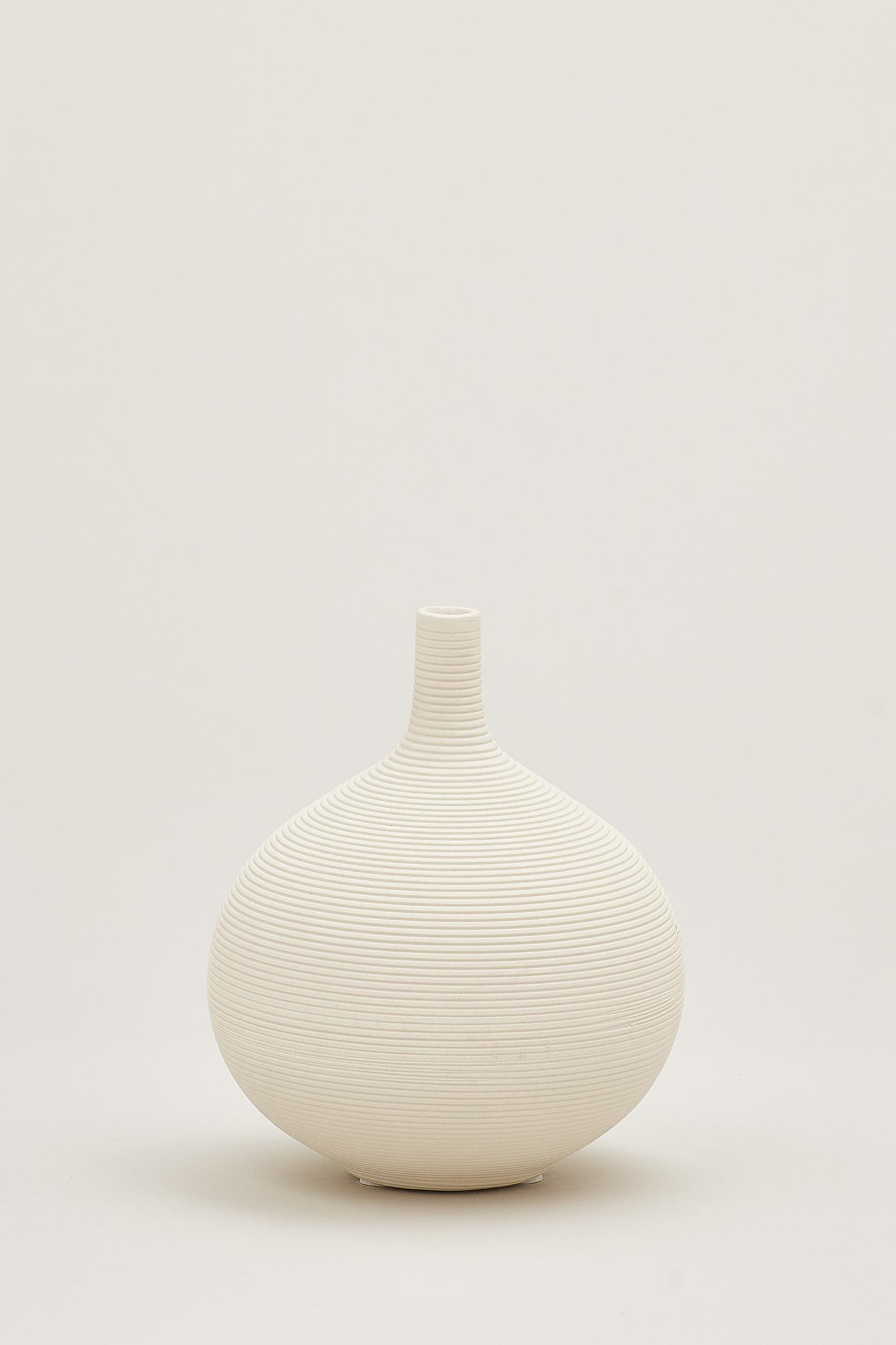 Kanaye Orb Vase