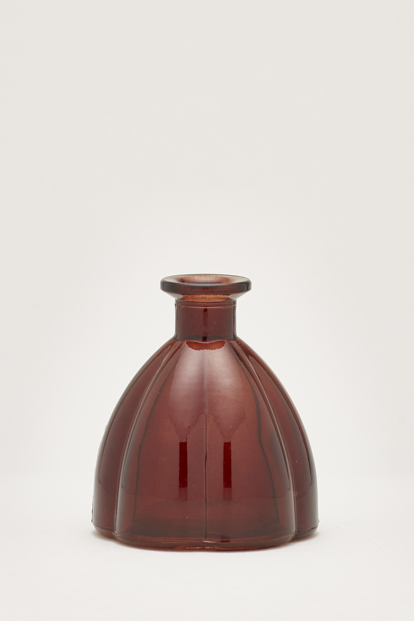 Linnea Scallop Bottle-Neck Vase