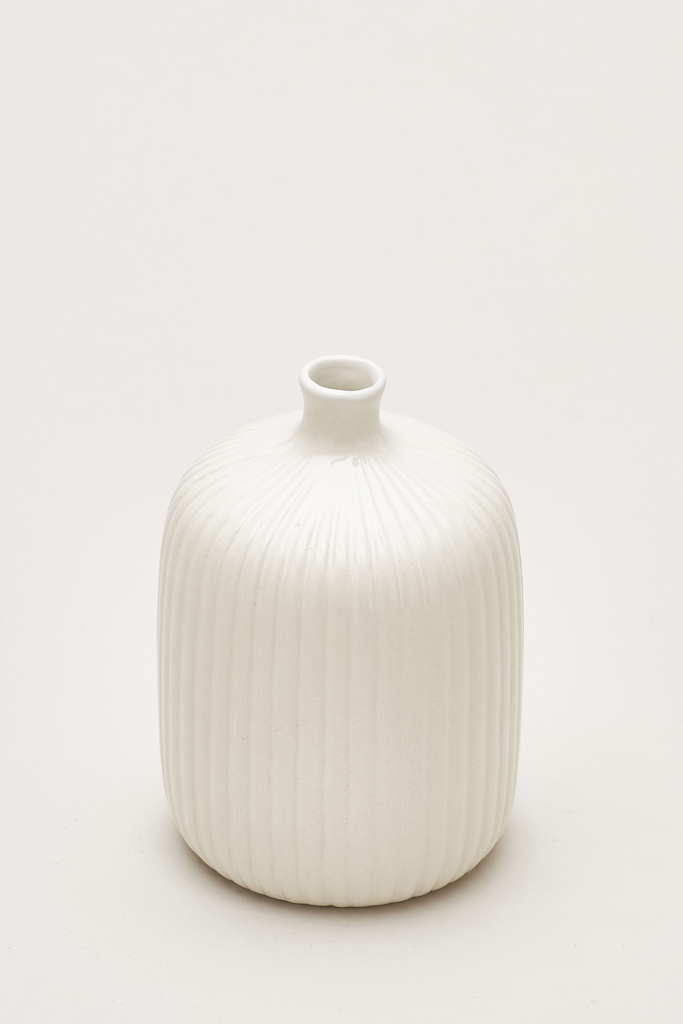 Nilsen Reeded Medium Round Vase