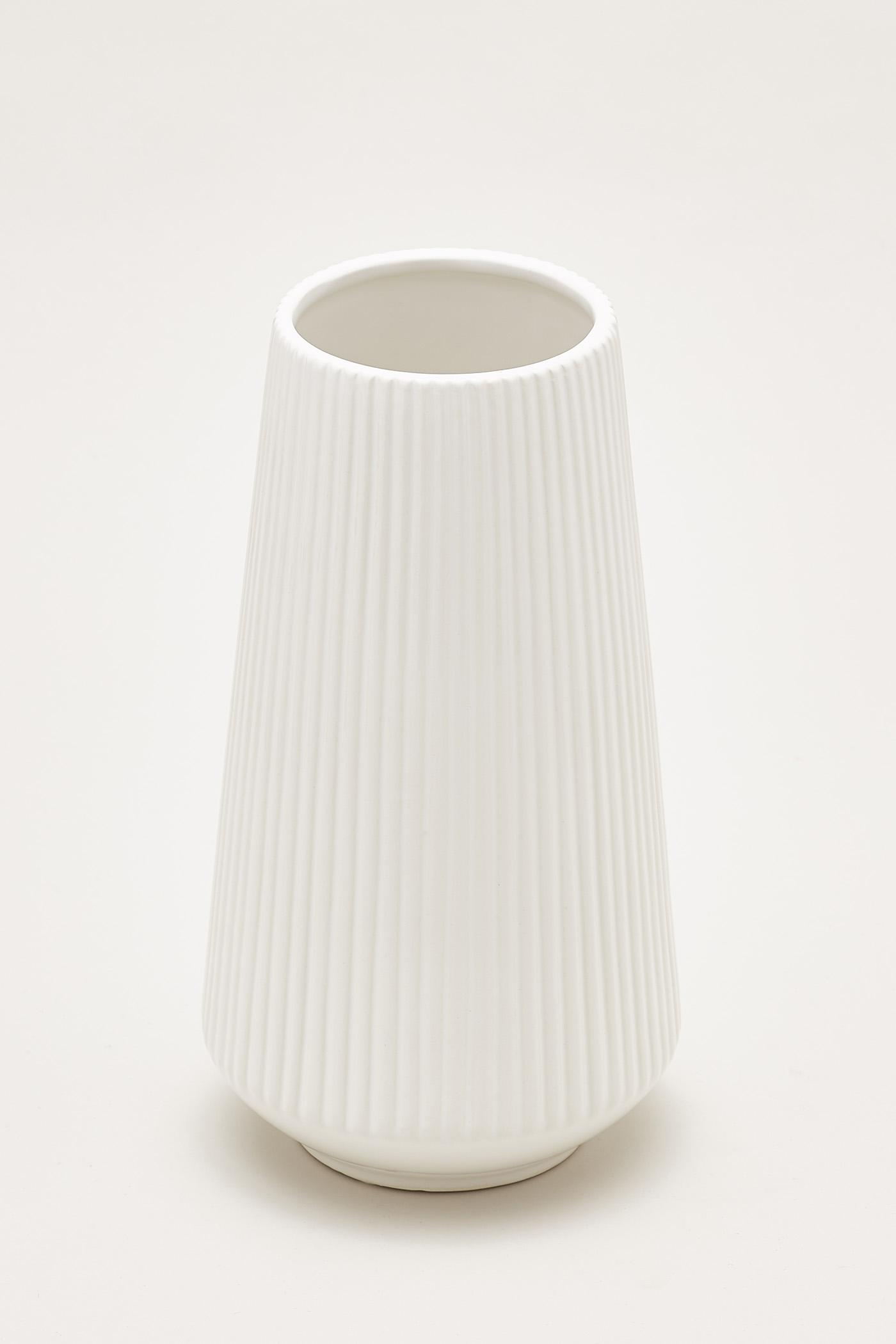 Nilsen Reeded Tall Vase