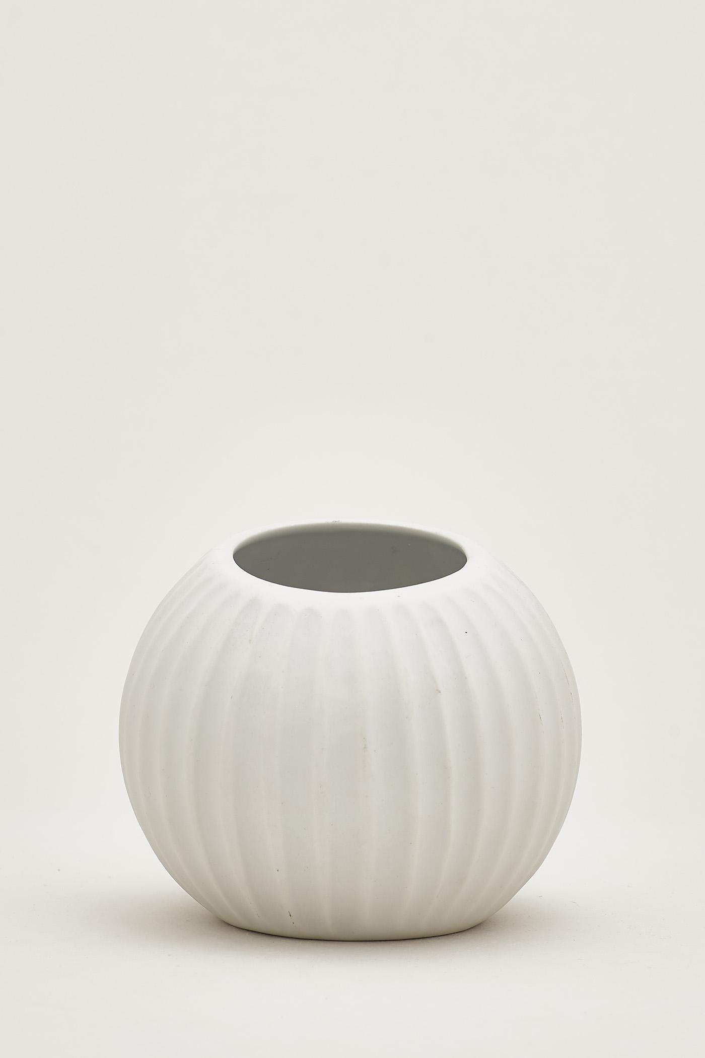 Ryo Sphere Vase