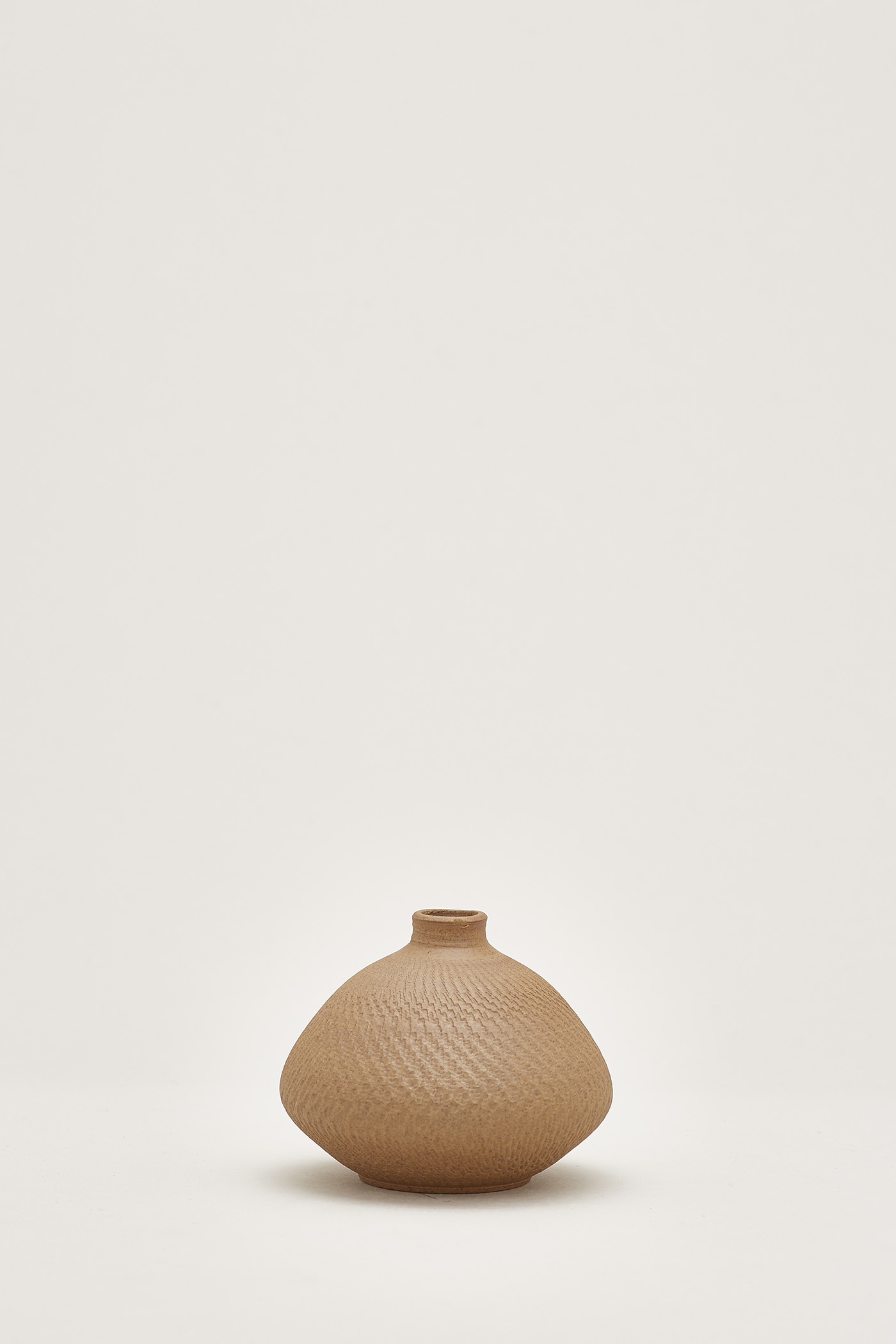 Taigen Small Sphere Vase