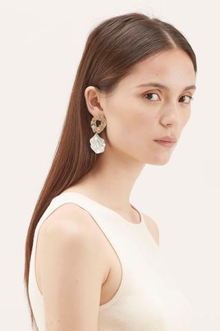 Dalary Molten Pearl Drop Earrings