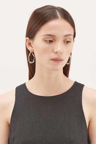 Aislinn Wave Hoop Earrings
