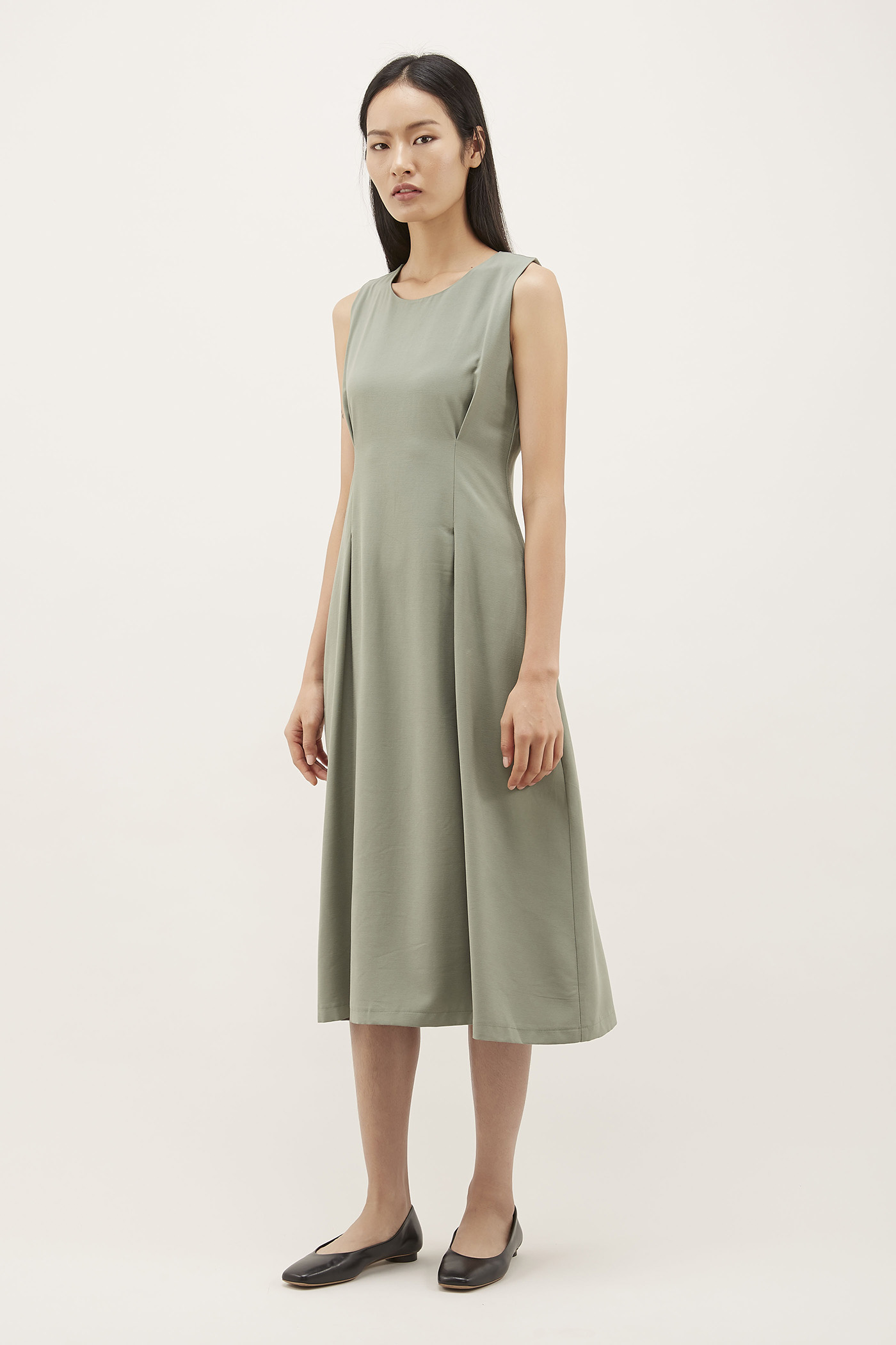 Meryan Tuck-seam Midi Dress