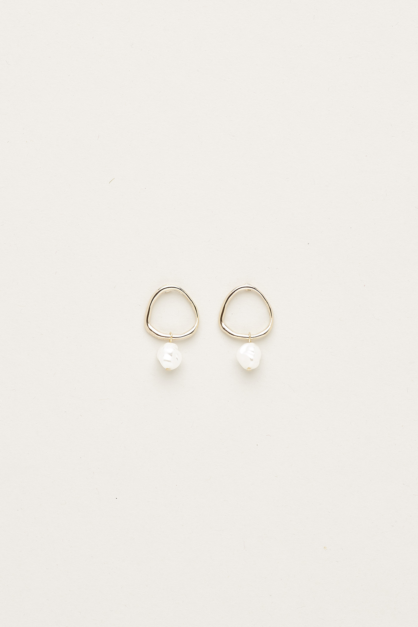 Medora Pearl Earrings