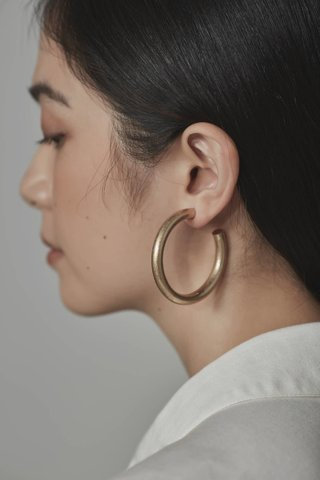 Uri Hoop Earrings