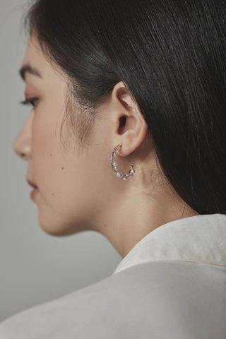 Pim Pearl Earrings
