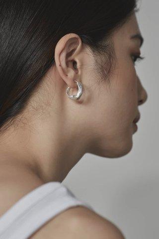 Inby Curve Earrings