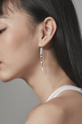 Ire Loop Earrings