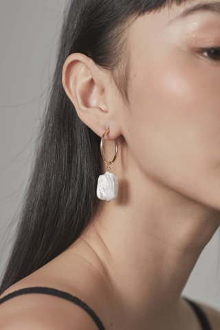 Kaze Pearl Earrings