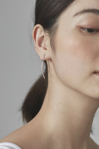 Nour Loop Earrings