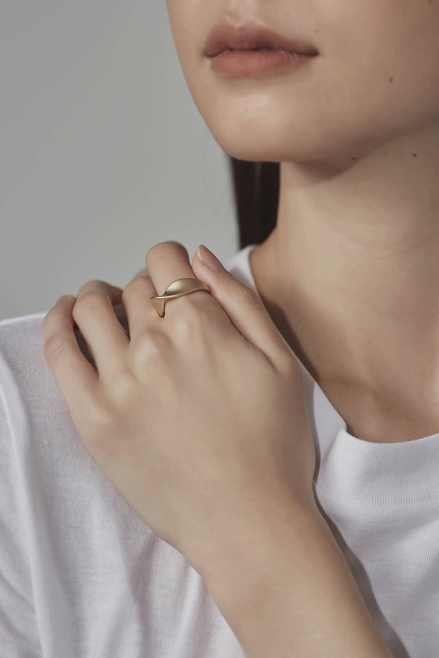 Bora Twist Ring