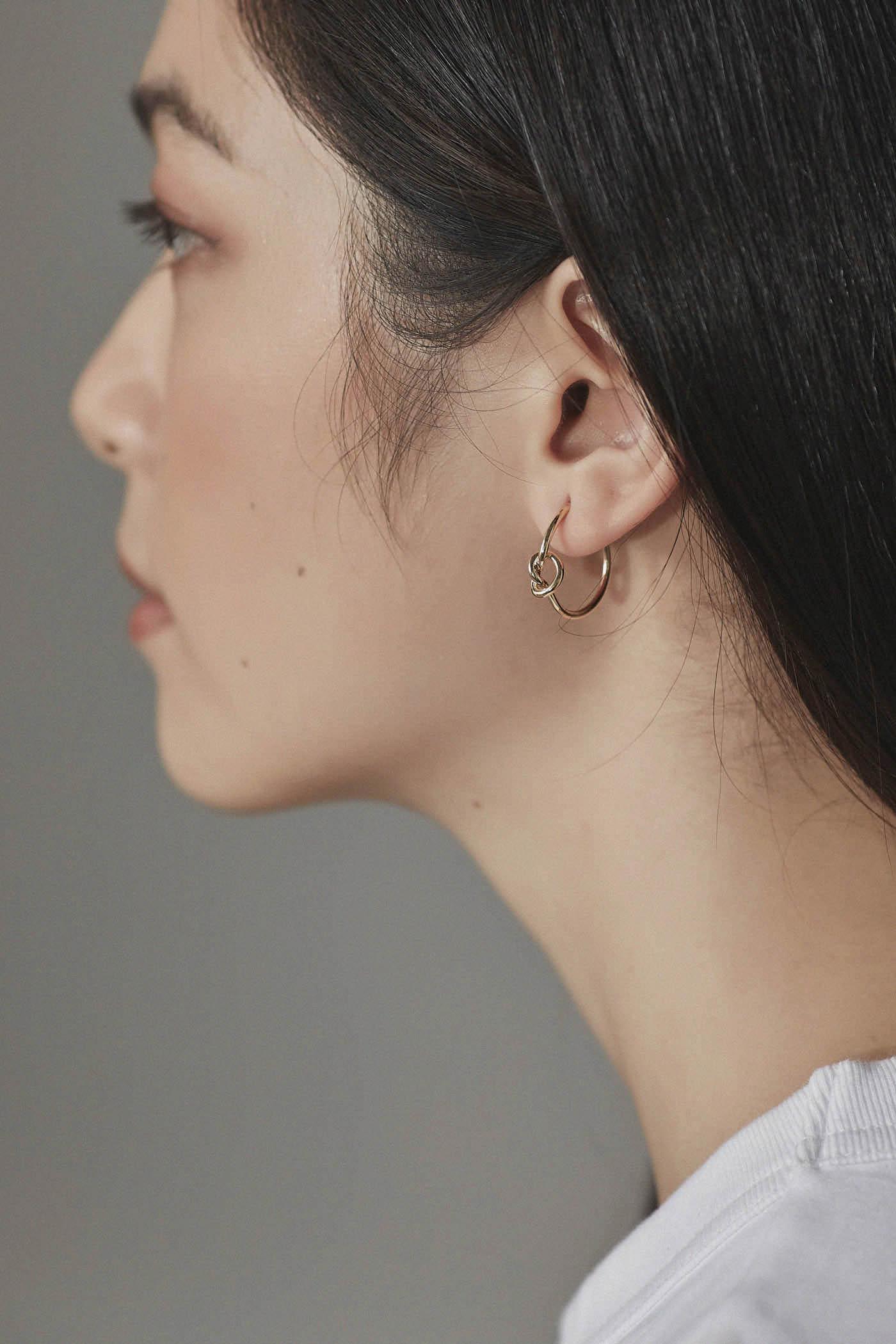 Jules Hoop Earrings
