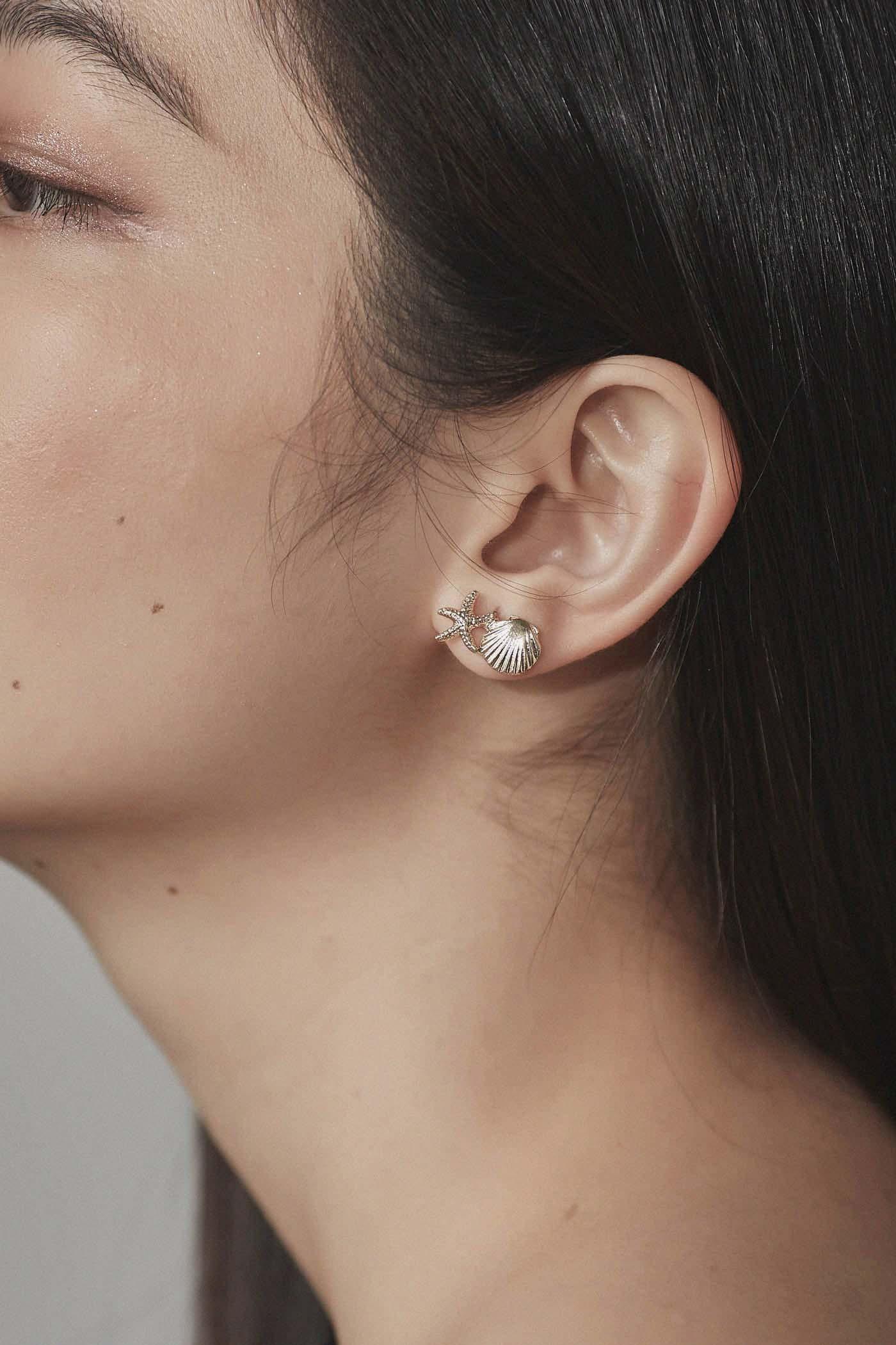 Tath Shell Ear Studs