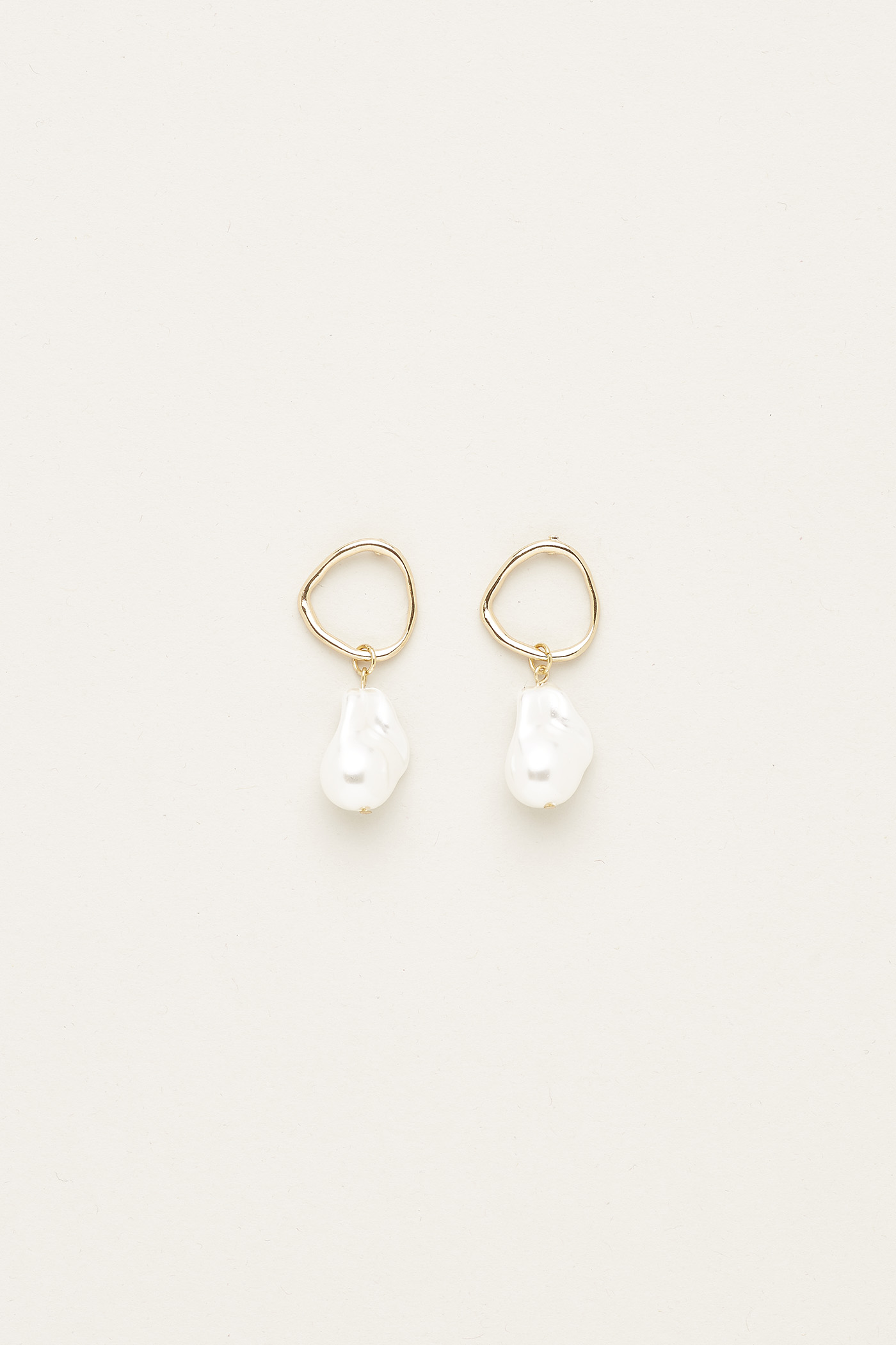 Celine Pearl Earrings
