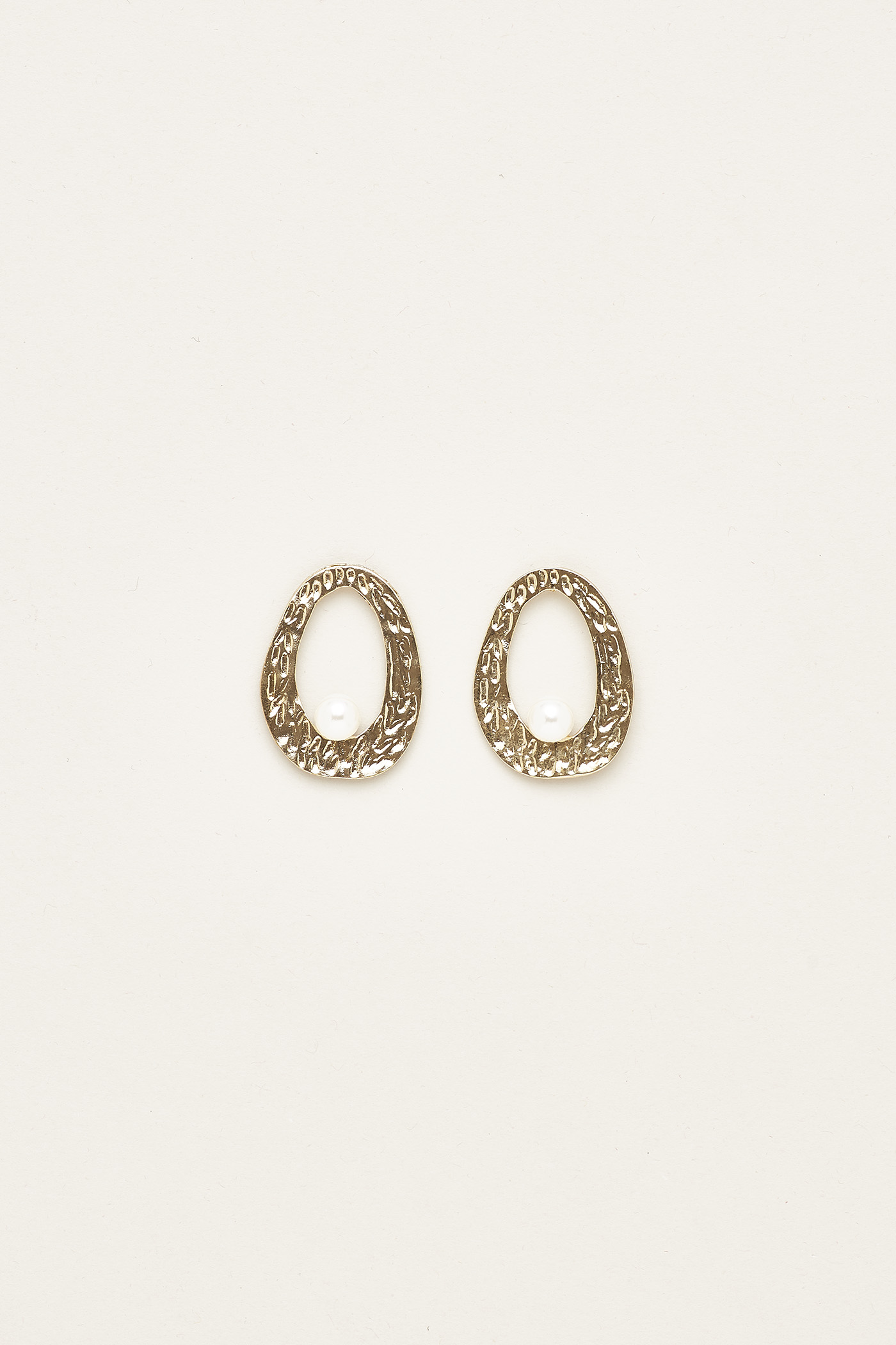 Yuliana Pearl Earrings