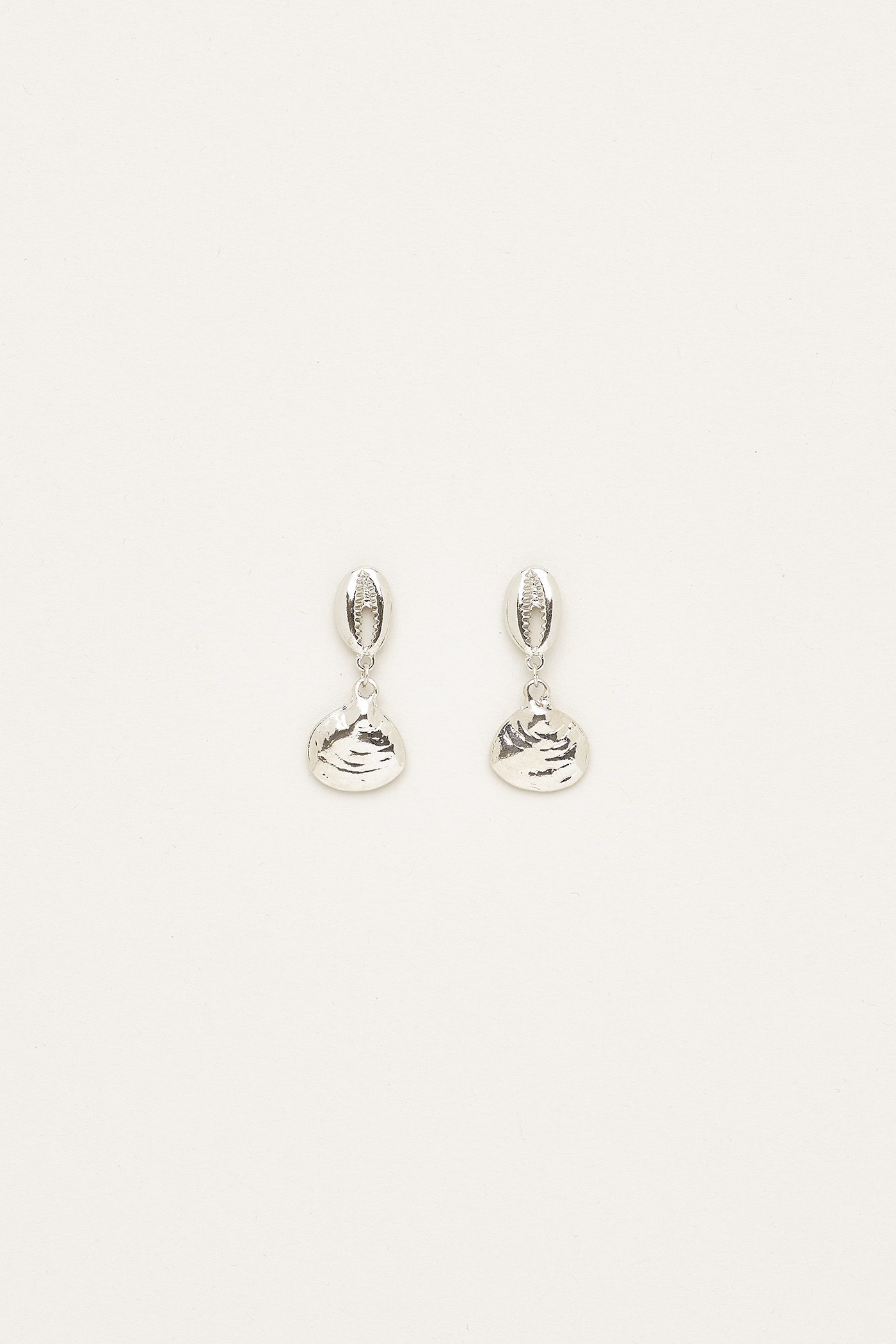 Rhiana Drop Seashell Earrings