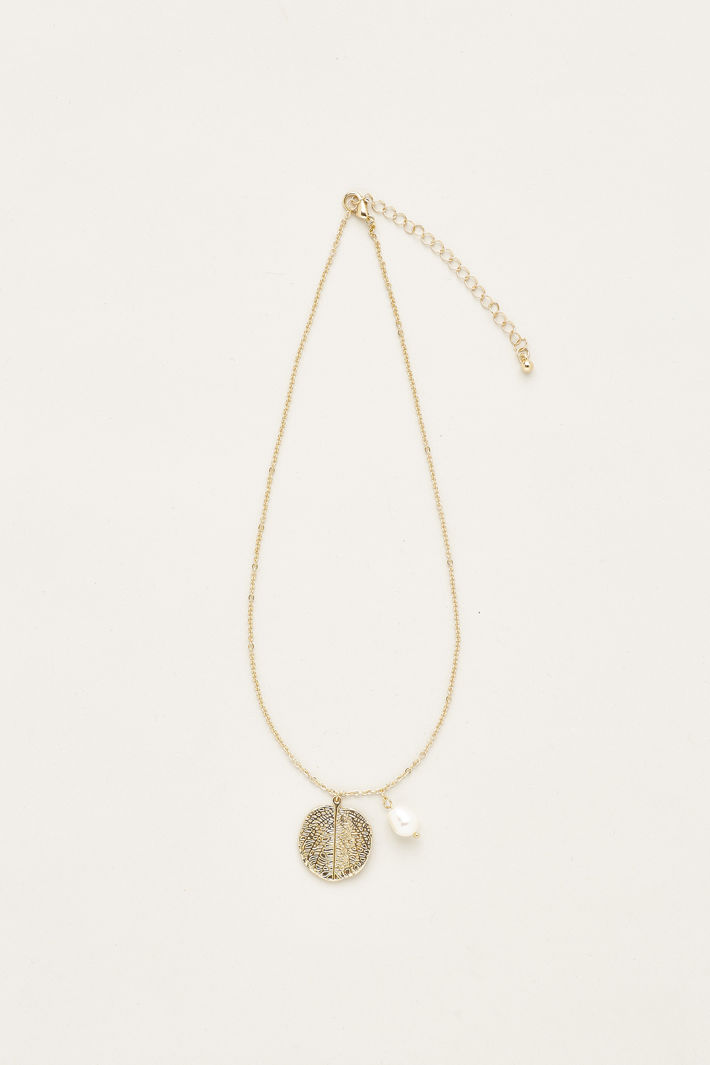 Joselle Pearl Foilage Necklace