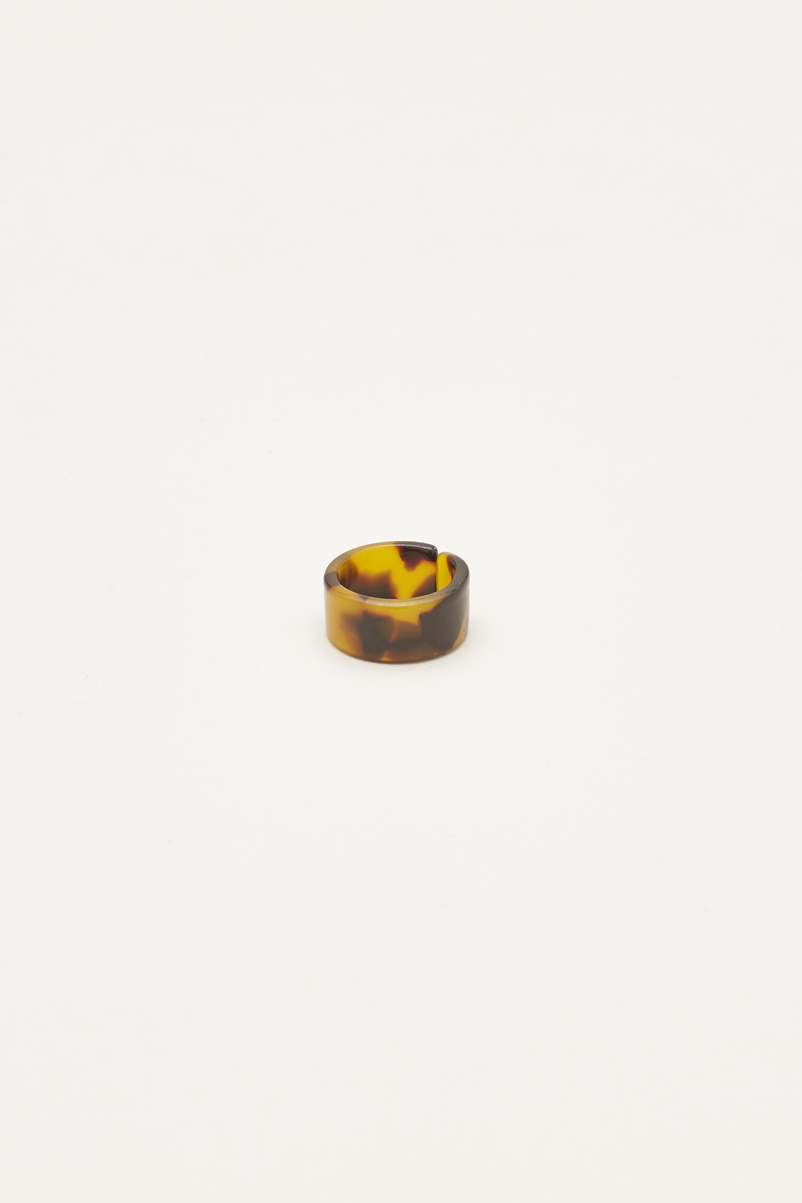 Esther Resin Ring