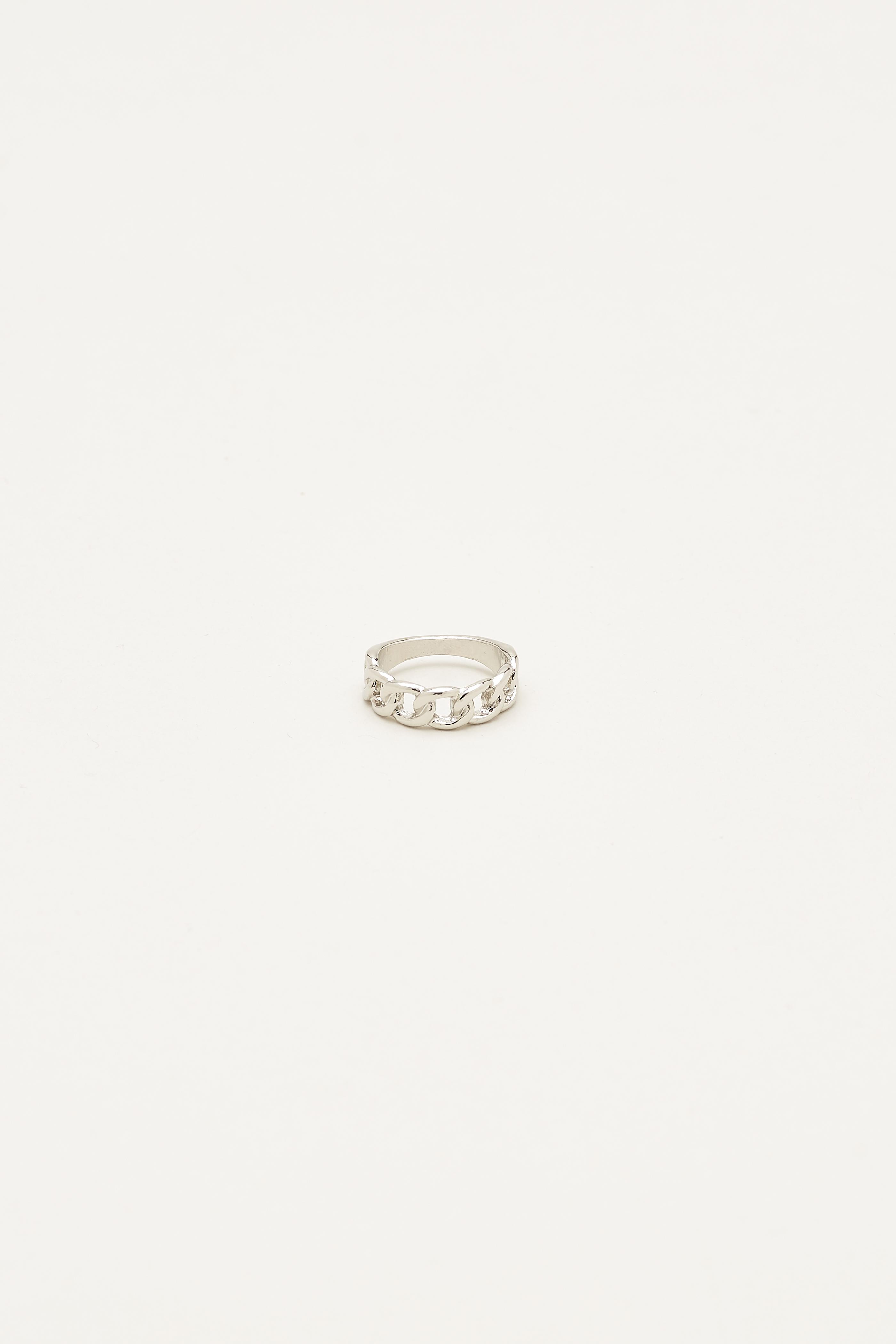 Jendaya Chain Ring