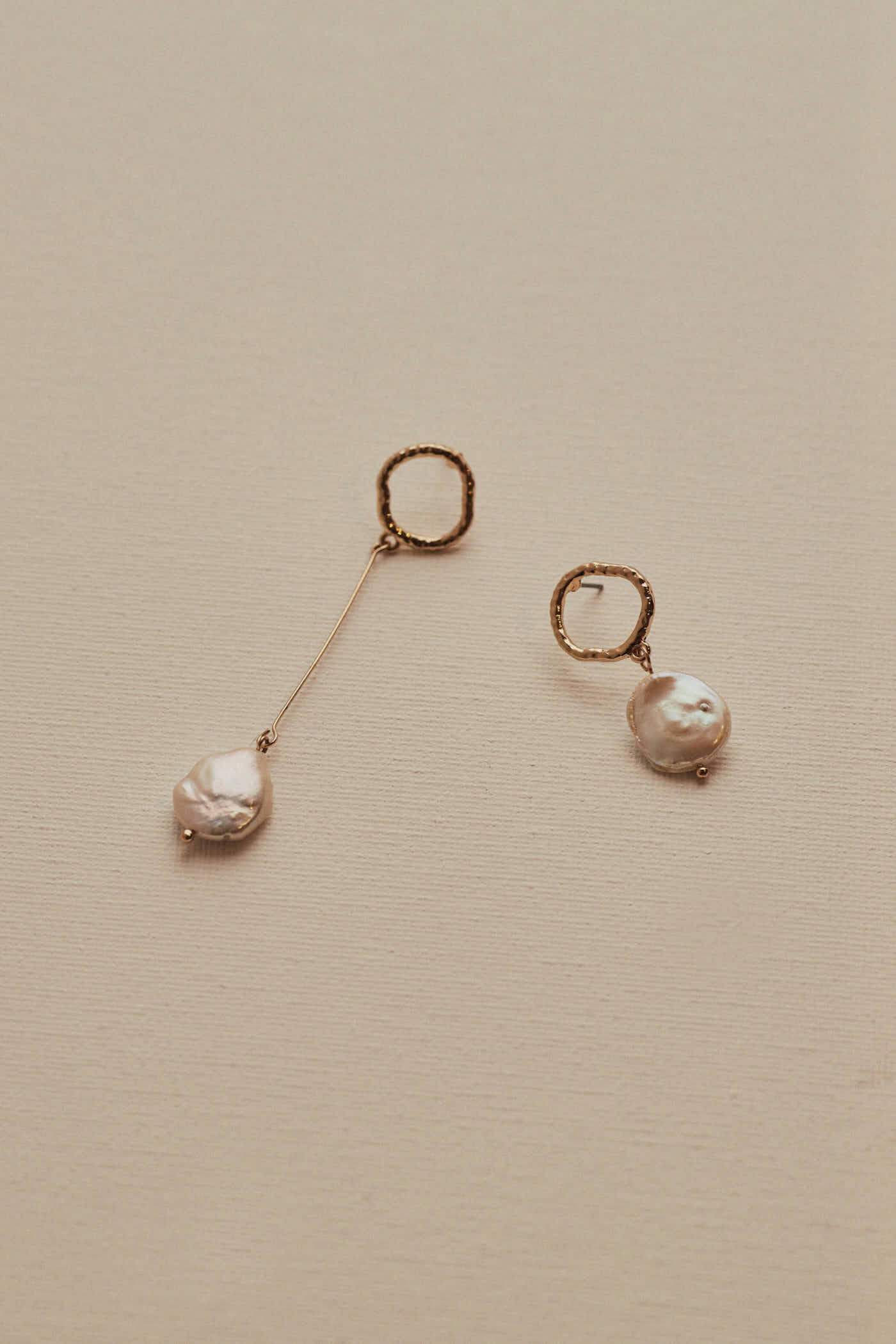Perry Pearl Earrings