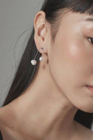 Alora Pearls Earrings