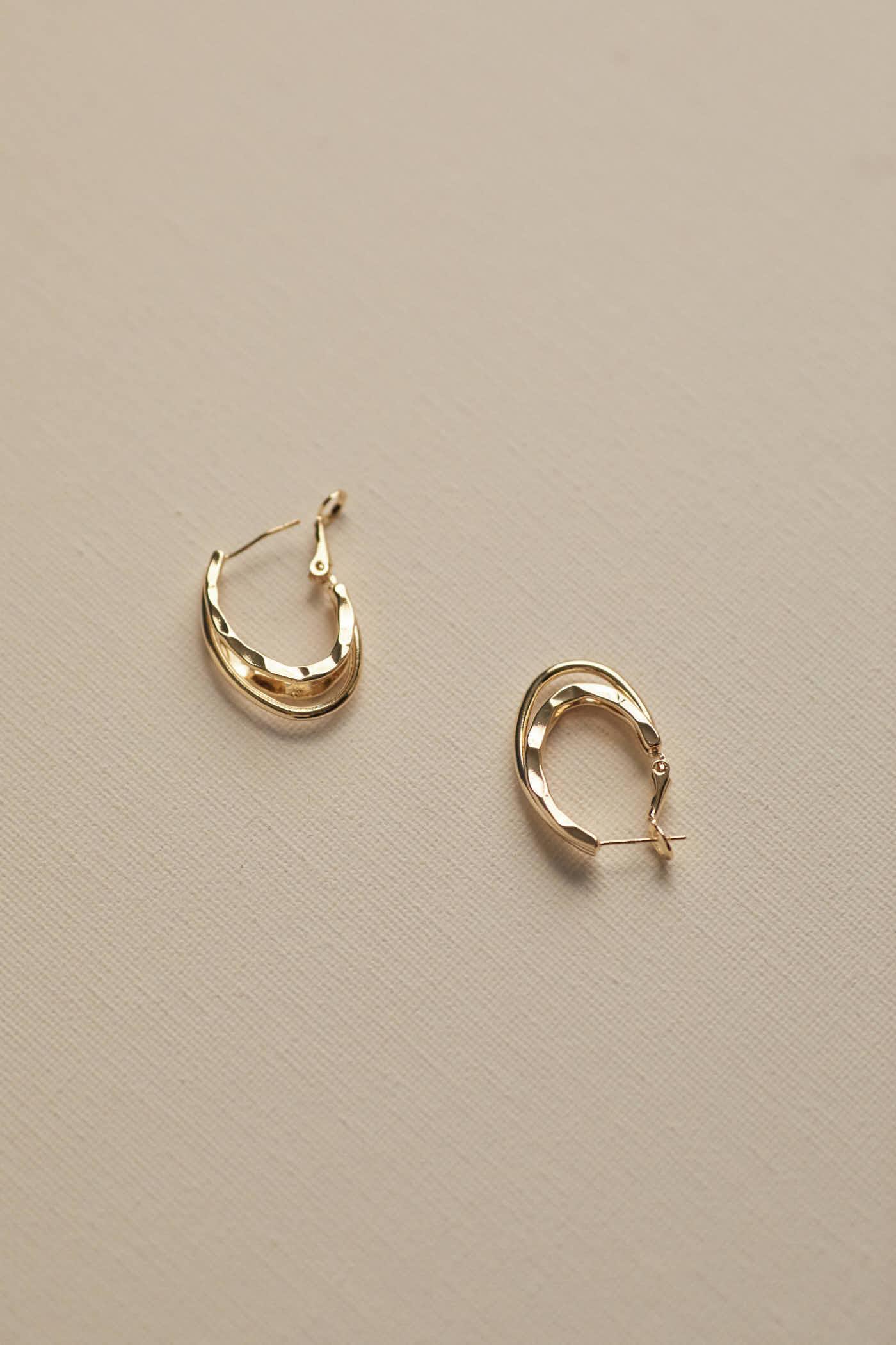 Uliah Oval Earrings