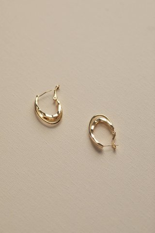 Uliah Oval Earrings