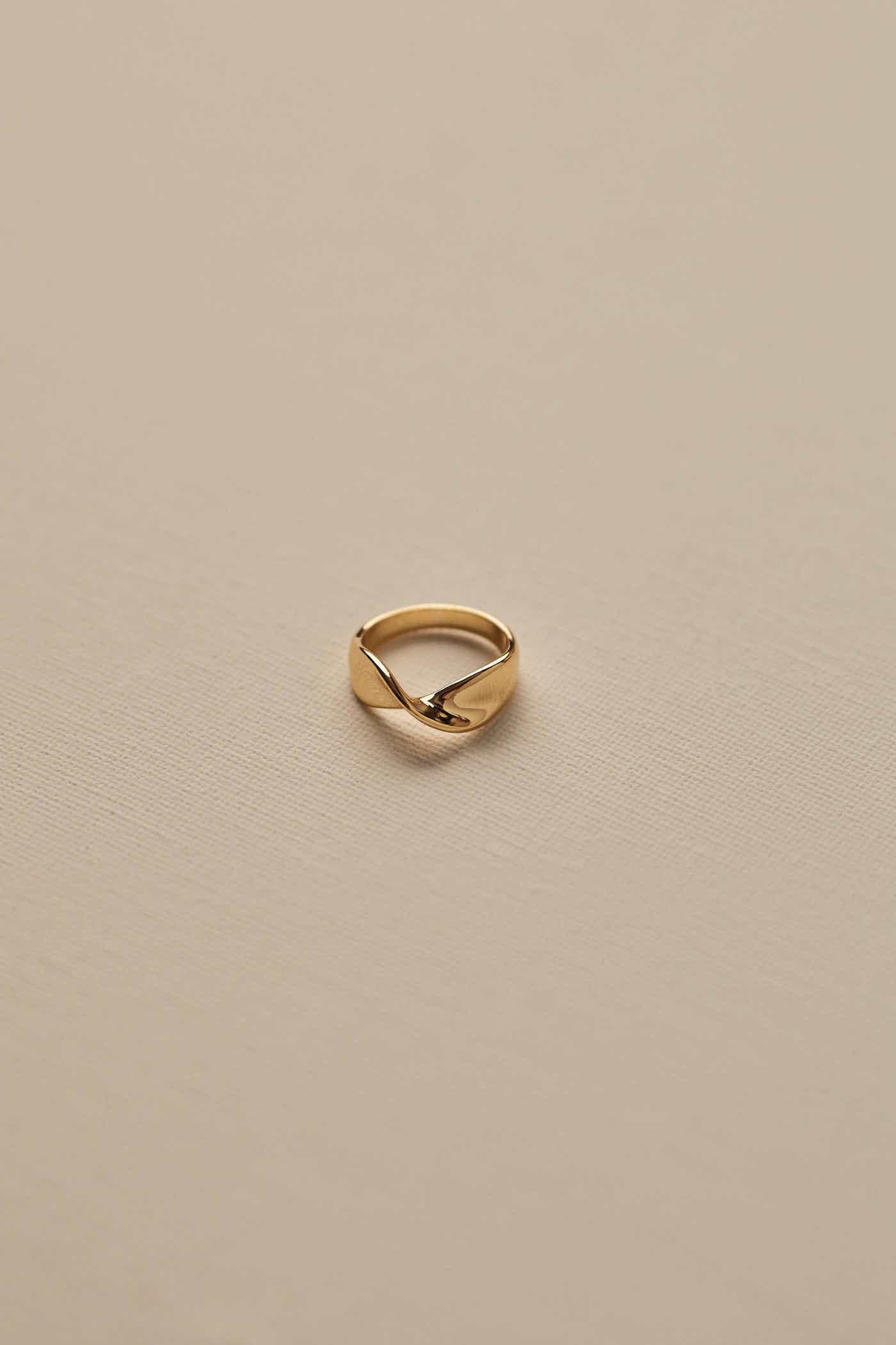 Zadie Twist Ring