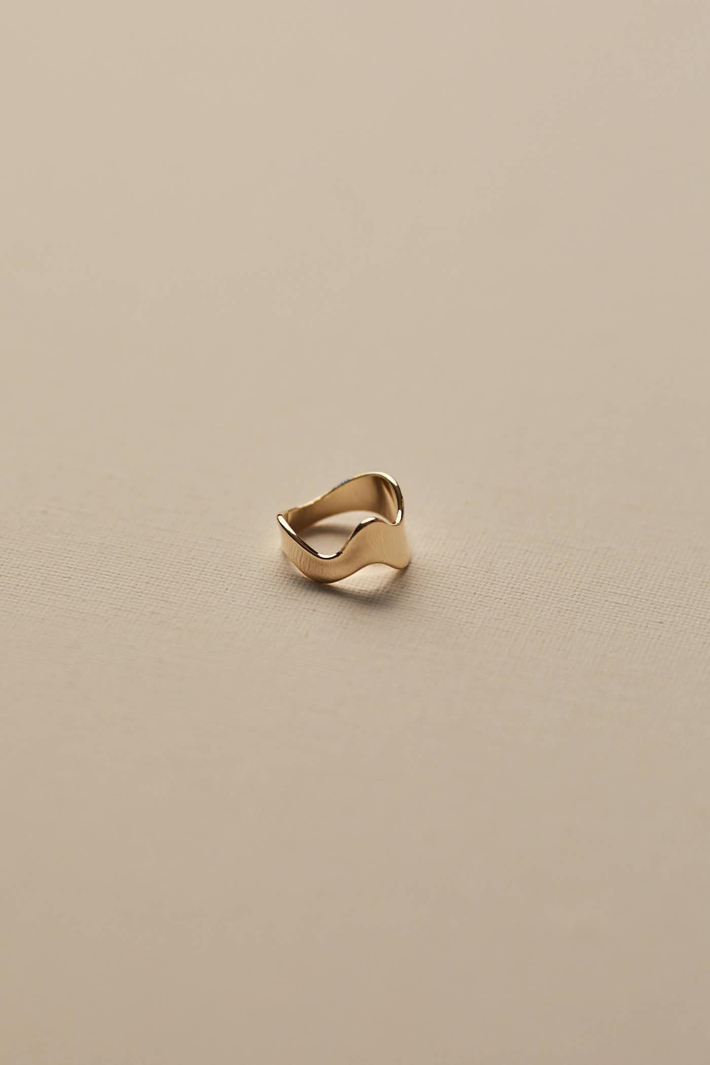 Alycia Ring