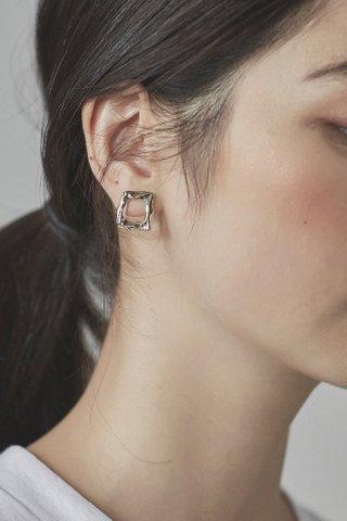 Wallen Ear Studs