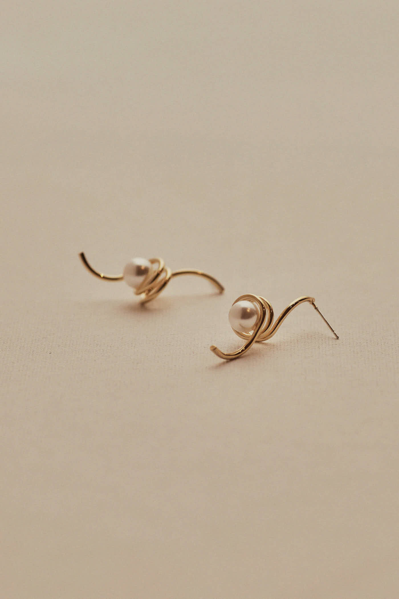 Carmin Swirl Earrings