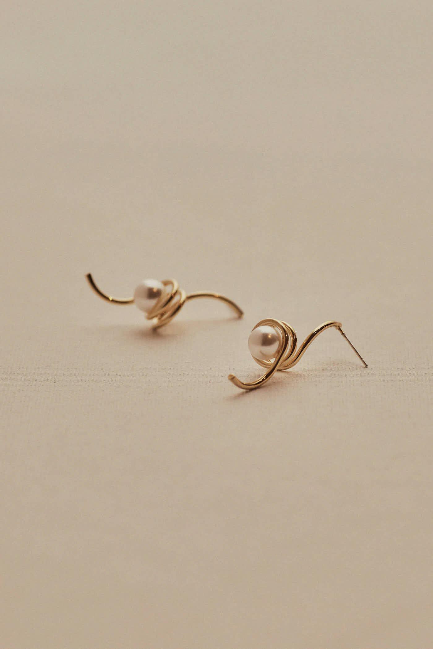 Carmin Swirl Earrings