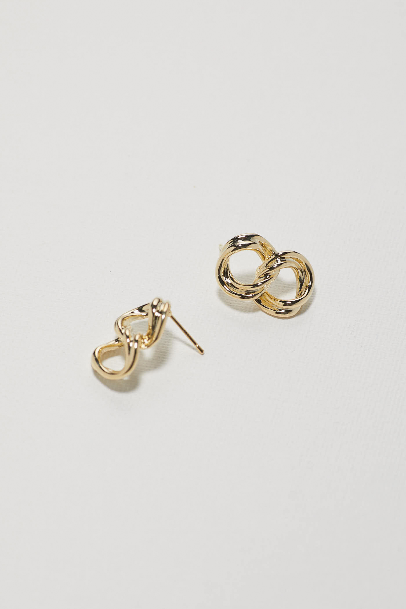 Tyon Earrings