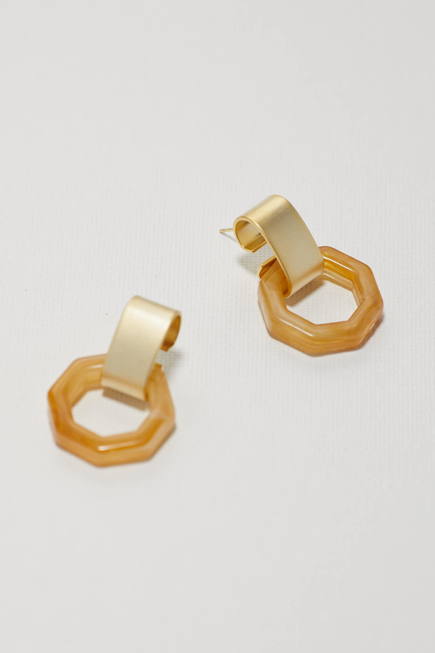 Calyn Earrings
