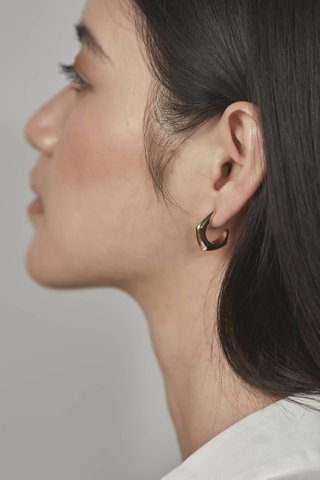 Polly Curve Earrings