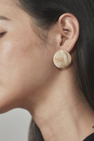 Tia Circle Earrings