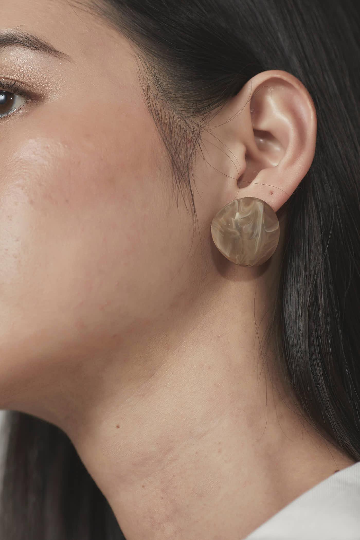Tia Circle Earrings